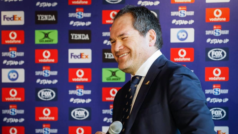 Al nuevo entrenador de los Wallabies, Dave Rennie, le encantaría que un jugador como el astro escolar Joseph Suaalii participe en el rugby australiano a largo plazo